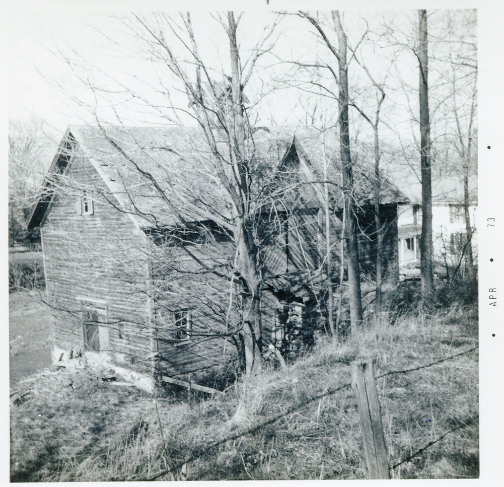 Rt 8 and Skaneateles Turnpike Leonardsville northwest corner barn 24 April 1973